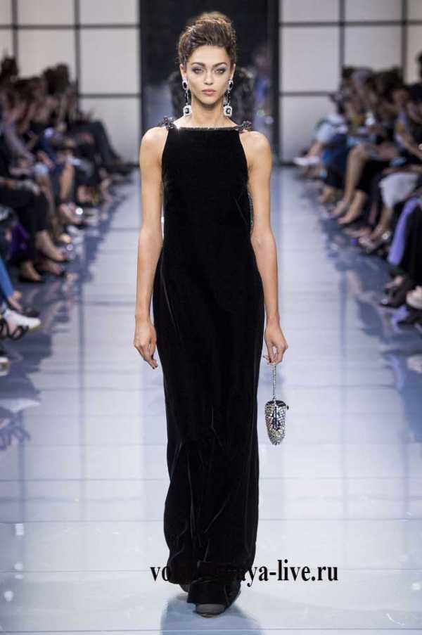 47939bdaf78 А торжественные вечерние платья черного цвета выглядят как всегда  совершенно.